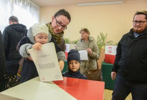 Wybory urna głosowanie 2015