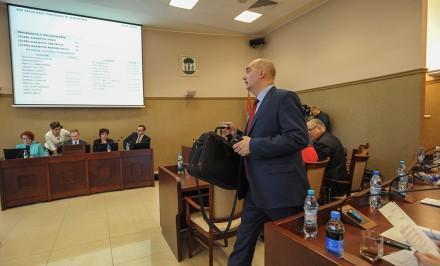 Paweł Silbert wchodzi na sesje RM z nowym laptopem