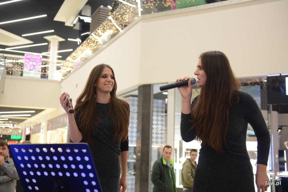 W galerii handlowej Galena wystąpiły siostry Goławskie.