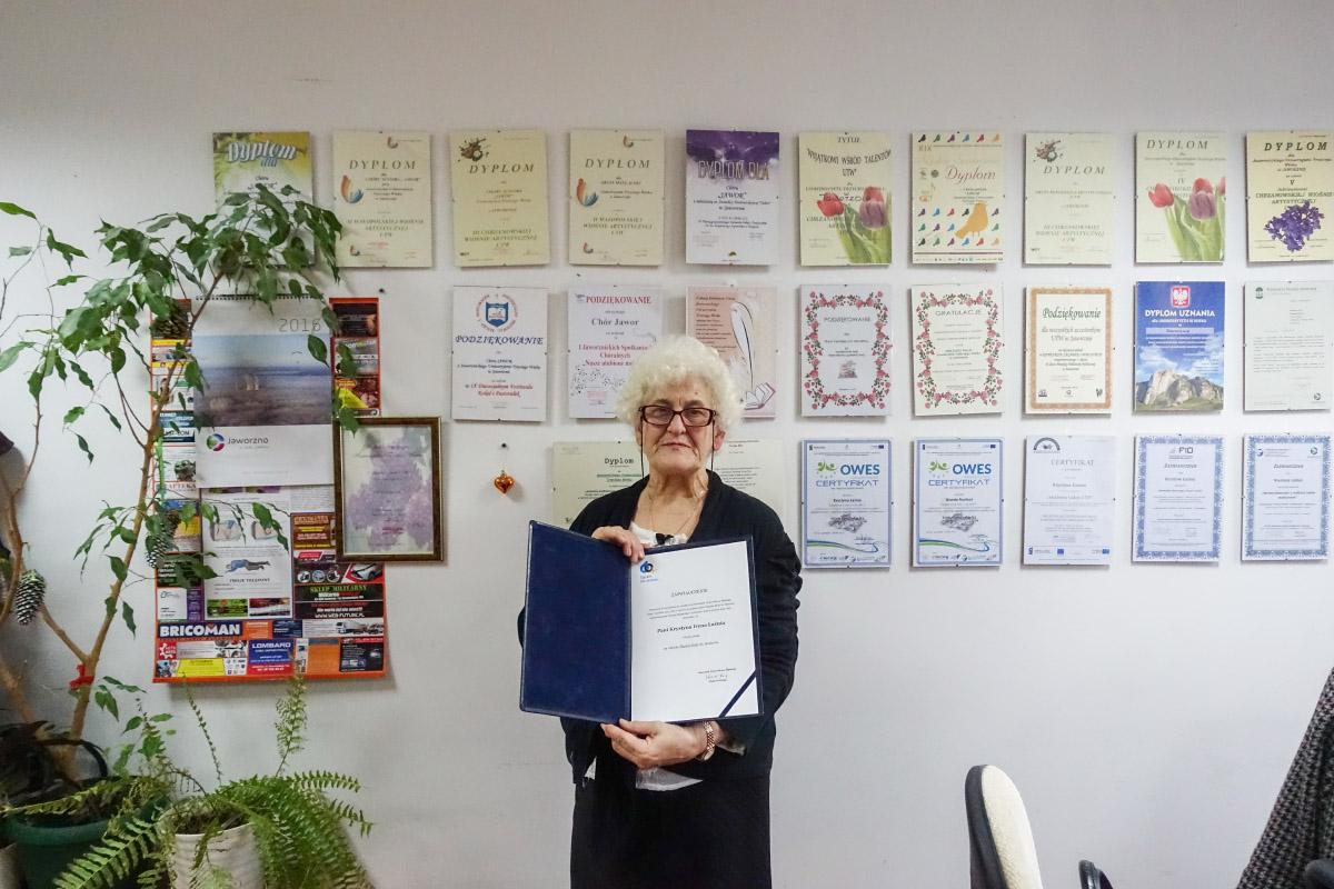 Uniwersytet Trzeciego Wieku podsumowuje 2015 rok. Na zdjęciu Krystyna Łaźnia.