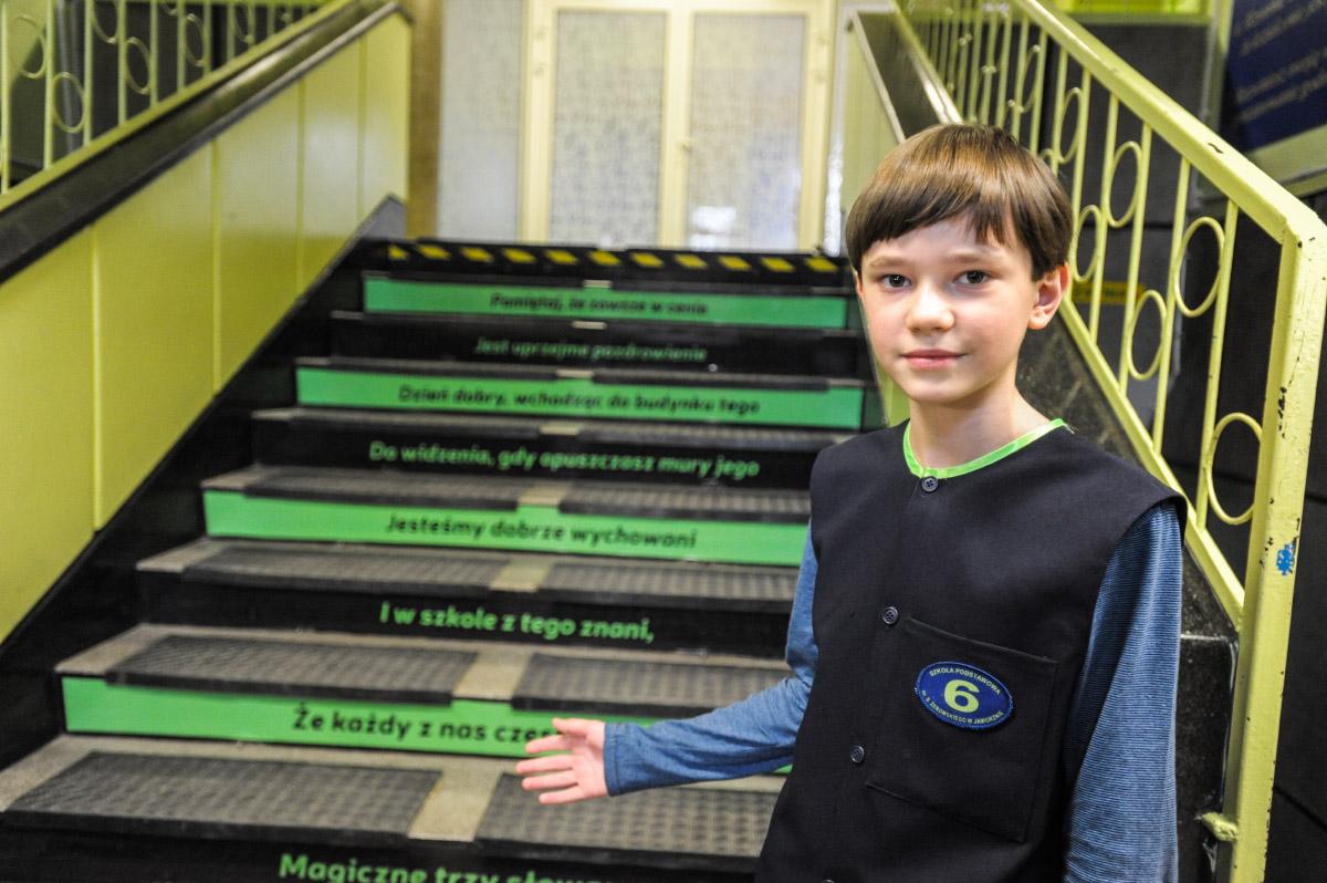 Uczniowie Gimnazjum nr 3 i Szkoły Podstawowej nr 6 uczą się ze schodów.