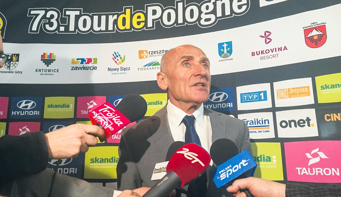 Czesław Lang podczas konferencji 73. Tour de Pologne w Warszawie.