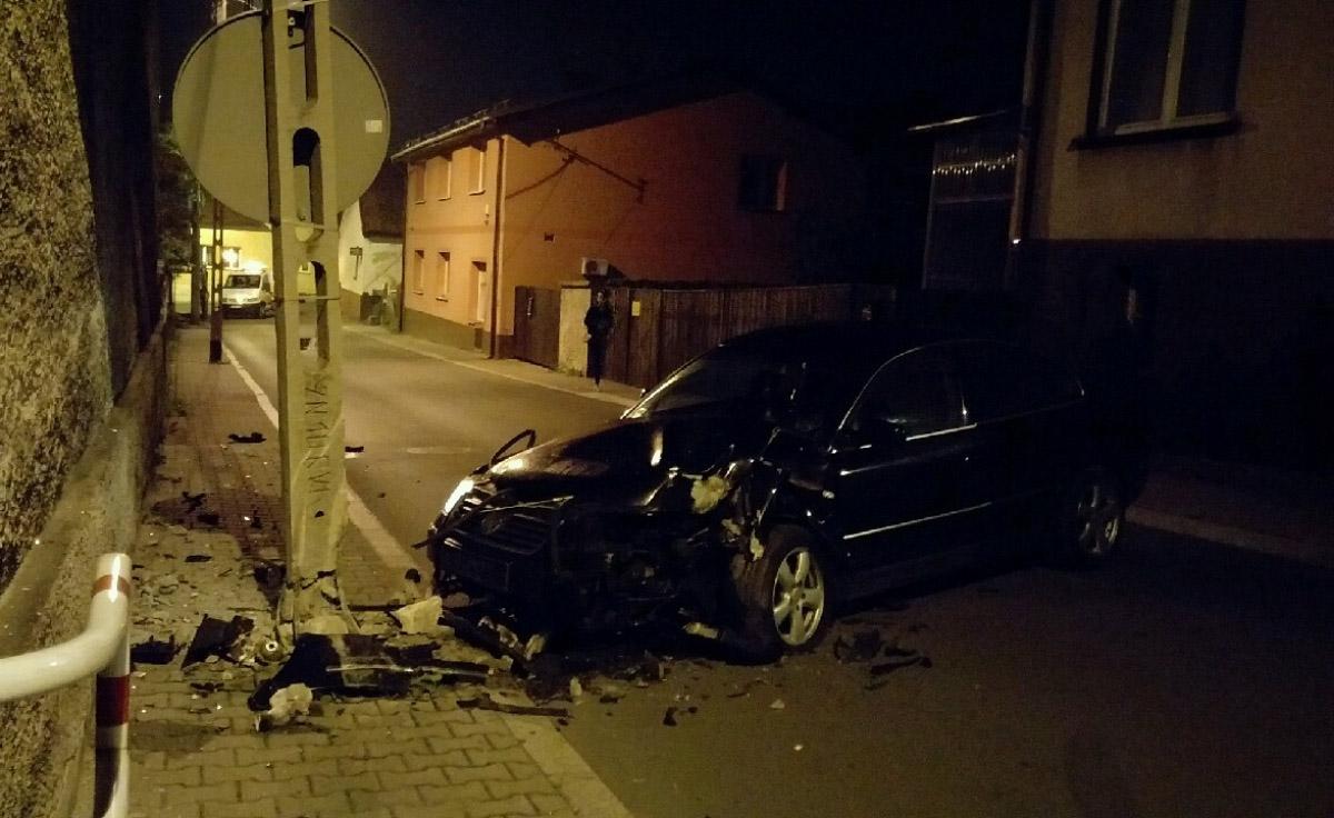 Pijany kierowca spowodował kolizję na ul. Wandy.
