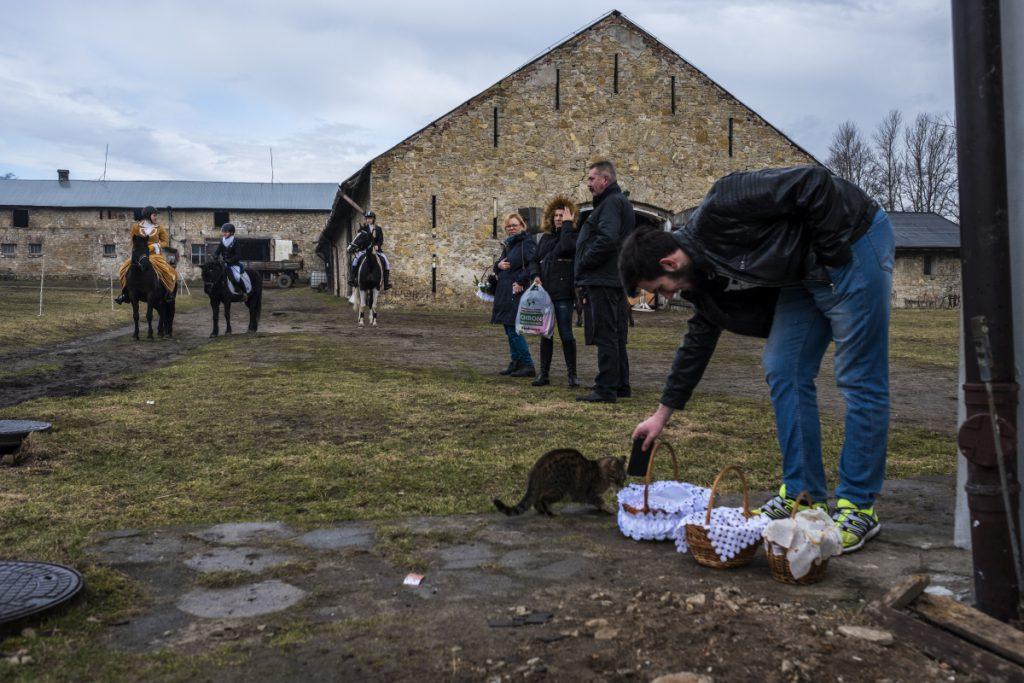 31 marca. Mysłowice. Przygotowania do święcenia pokarmów podczas Świąt Wielkanocnych.